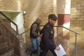 Ingresa en prisión un joven italiano detenido ocho veces en Ibiza por robos