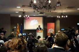 Carles Puigdemont presenta en Bélgica la candidatura de JuntsxCat