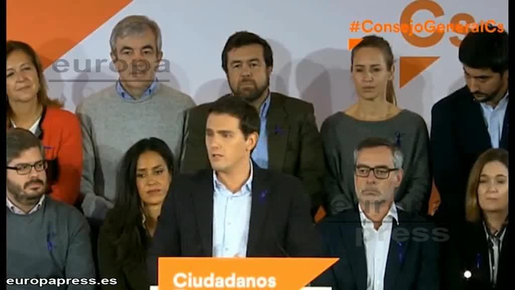 """Rivera critica a Pedro Sánchez por volver al """"no es no"""" y """"vetar"""" un gobierno de Arrimadas"""