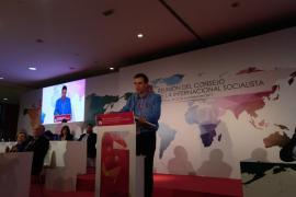 """Sánchez afirma que la derecha ha reaccionado con """"ceguera"""" ante el independentismo"""