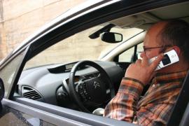 «La reincidencia en el uso del móvil al volante tendrá consecuencias»