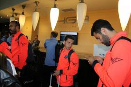 Parte de los jugadores del Formentera en el interior del hotel.
