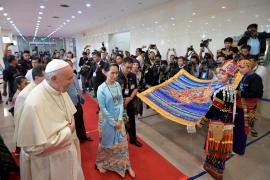 El Papa insta ante autoridades birmanas a respetar a cada grupo étnico sin excluir a nadie