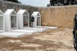 La fosa de Sant Ferran de ses Roques, el 'petit cementiri baix la lluna'