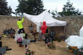Empiezan los trabajos de exhumación en el cementerio de Sant Ferran