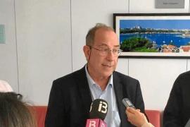 Fuster desmiente la fuga de médicos por un catalán «accesible» para cualquiera