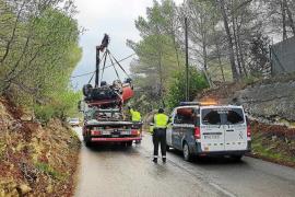 Vecinos de la antigua carretera de Santa Eulària denuncian la inseguridad de la vía