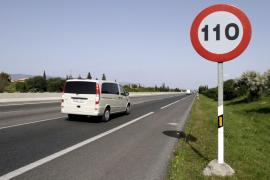 El consumo de carburantes cayó un 7,9 % en marzo tras la limitación de 110 km por hora