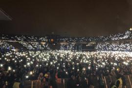 Miles de personas asisten al 'Concert per la Llibertat' para recoger fondos para la caja de solidaridad