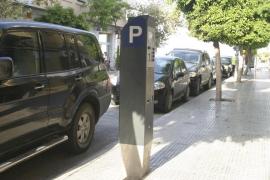 Vila aprueba la adjudicación del servicio de zona azul por 1,07 millones con el beneplácito del PP