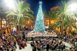 Las luces de colores ya iluminan la Navidad en Santa Eulària