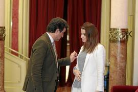 Armengol defiende el decreto sobre catalán y el PP anuncia que lo derogará
