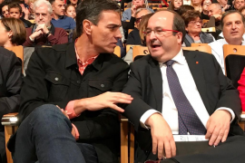 """Pedro Sánchez pide una participación masiva: """"Si tú no vas ellos se quedan"""""""