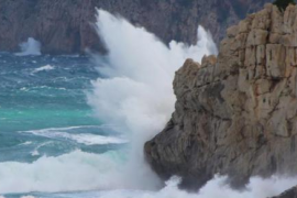"""La borrasca 'Ana' alcanzará Baleares con vientos y lluvias """"muy fuertes"""""""