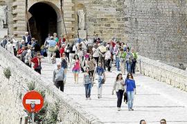 Tres municipios de Ibiza lideran la rentabilidad por ingresos por habitación