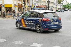 La Policía Nacional detiene a tres personas por el robo en un hostal de Vila