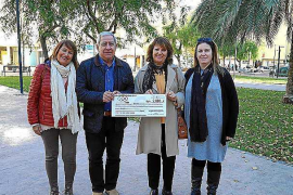 El gremio del taxi de Ibiza recauda 2.000 euros más para la Asociación de Fibromialgia