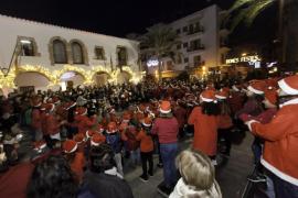 El Venda d'Arabí triunfa en Santa Eulària con su versión navideña de 'Despacito'