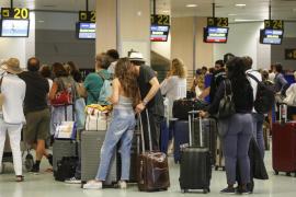 El aeropuerto de Ibiza es el cuarto del país que más retrasos acumula