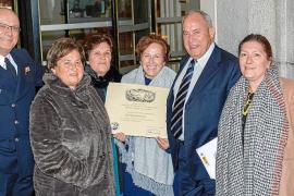 Margarita Riera Costa recibe un Diploma de Honor del premio Virgen del Carmen