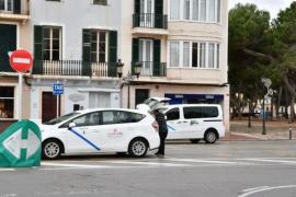 Los taxistas prepararán un proyecto de viabilidad para explotar 700 licencias VTC en Balears