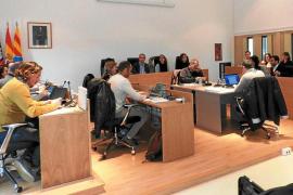 Formentera instará al Govern para que «limite» la entrada de vehículos