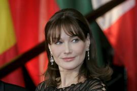 Carla Bruni, 50 años de una vida camaleónica