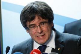 Puigdemont insta a Rajoy a reunirse con él en Bruselas sin ninguna condición previa