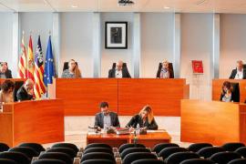 PSOE y Podemos apoyan el 'decretazo' del catalán del Govern en la sanidad