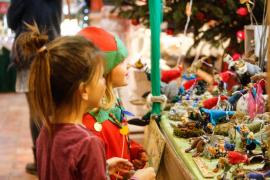 Papá Noel visita el mercadillo navideño de Las Dalias