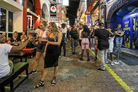 Los comerciantes de Sant Antoni muestran su rechazo a la limitación horaria del West