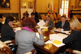 El Parlament obliga a Antich a explicar la ruptura del Pacto en el Parlament