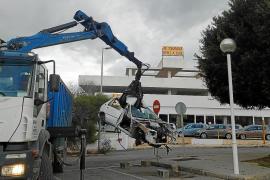 Sant Josep retira en dos semanas 18 vehículos abandonados en la vía pública