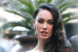 Megan Fox contrata  una doble... de dedos