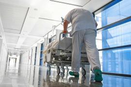 El hospital Can Misses lleva desde marzo sin poder implantar nuevos marcapasos