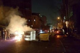 Alrededor de 450 manifestantes detenidos solo en Teherán desde el sábado