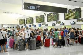 Las aerolíneas reclaman más control sobre el acceso de falsos residentes al descuento
