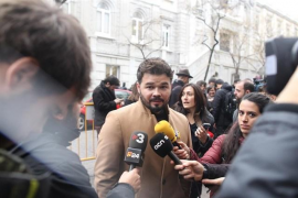 """Rufián dice que es de """"puro sentido común"""" que Junqueras sea presidente si al final Puigdemont no vuelve"""