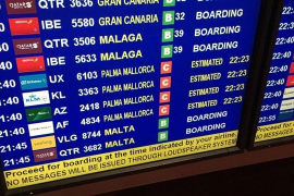 """Aerolíneas españolas defienden """"rotundamente"""" el mantenimiento del descuento a residentes"""