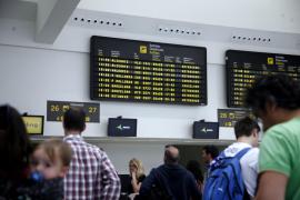 Las aerolíneas piden al Estado que agilice los pagos del descuento de residente