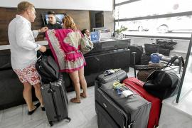 Los hoteleros exigen a los políticos pitiusos implicación para conseguir la misma rebaja de la ecotasa que Menorca