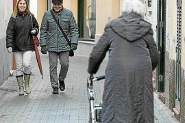Las solicitudes de ayuda a la dependencia crecen un 12% en Baleares en el último año