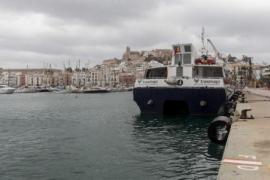 Formentera, incomunicada por el cierre de la Savina