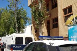 La Policía Nacional investiga el hallazgo de un hombre muerto en el interior de una caravana estacionada en Ibiza