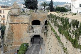 El Ministerio de Fomento aporta 225.000 euros para la restauración de las murallas de Ibiza