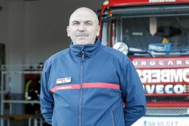 Los bomberos de Ibiza trabajan el doble que los de la Península