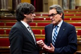 """Mas pide a Puigdemont que anteponga """"el interés"""" de Cataluña al suyo personal"""