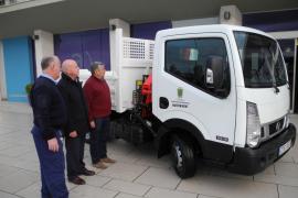 Sant Antoni adquiere un nuevo camión para la brigada de obras