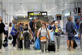La isla de Ibiza tiene 25,5 turistas por residente, una de las ratios más altas del planeta