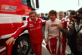 """Fernando Alonso, """"satisfecho"""" de la evolución de su F10"""
